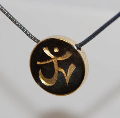 Skriver design guldsmed Jette håndlavede guld unika smykker