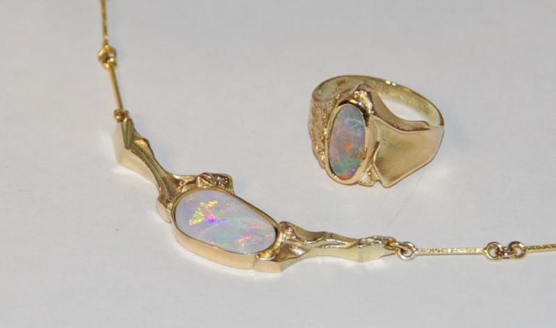 Skriver design guldsmed Jette opal opaler guld halskæde ring reperation